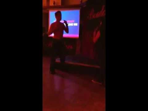 Camber karaoke/Striptease