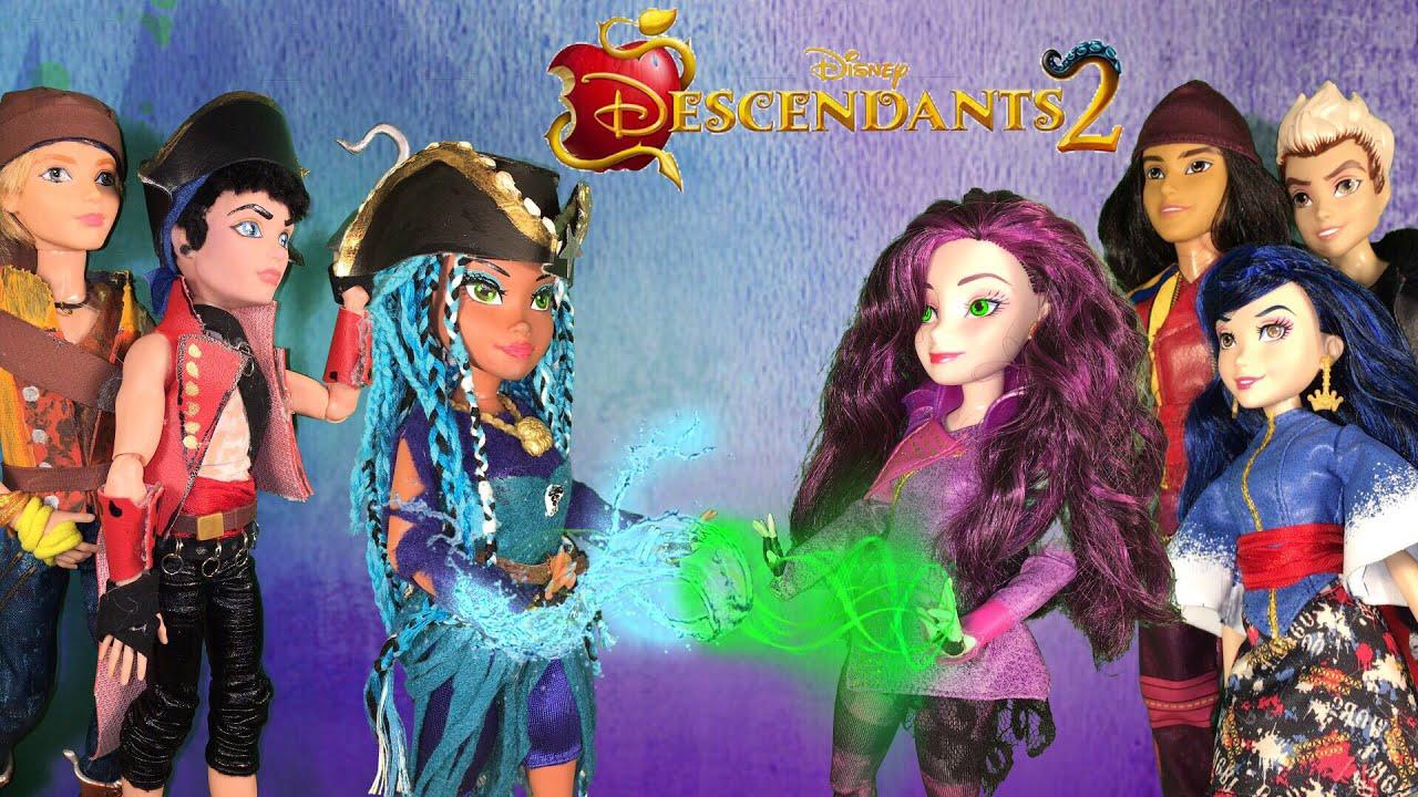 Mal Fights Uma for Auradon Harry and Gil fight Jay Carlos Evie Disney  Descendants 2 doll episode 3