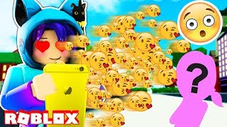 SENDING 999,999,999 TEXTS TO A CRUSH? IN ROBLOX TEXTING SIMULATOR!