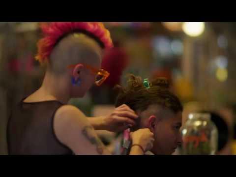 El peinado metalero ayuda con la tolerancia
