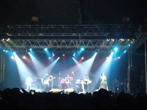 Dezarie - Stronger (Guarulhos,SP - Brasil - 30/11/14)
