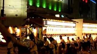 8月15日に行われる長崎の精霊流し 他県との違いが一見の価値ありです...