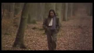 1983年8月PARCO西武劇場でのライブ映像に、パリの風景などを織り込んだファーストビデオ「五輪真弓'83」。この中から五輪真弓の代表曲「恋人よ」...