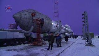Startvorbereitung einer Proton-M mit Kosmos 2513