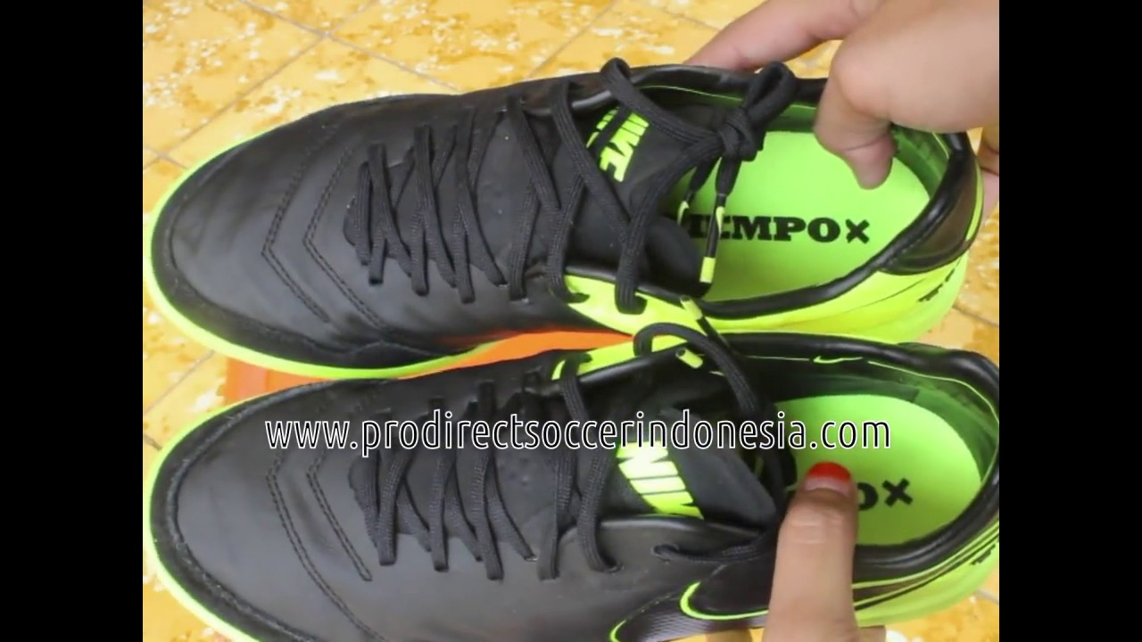 d82b9b7110d Sepatu Futsal Nike TiempoX Proximo IC Black Volt Black Noir 843961 070  Original