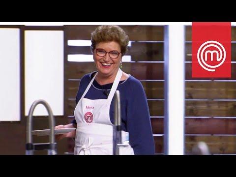L'assaggio del piatto di Mara Maionchi | Celebrity MasterChef Italia