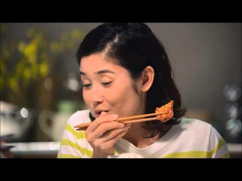 石田ひかり からあげクン CM スチル画像。CM動画を再生できます。