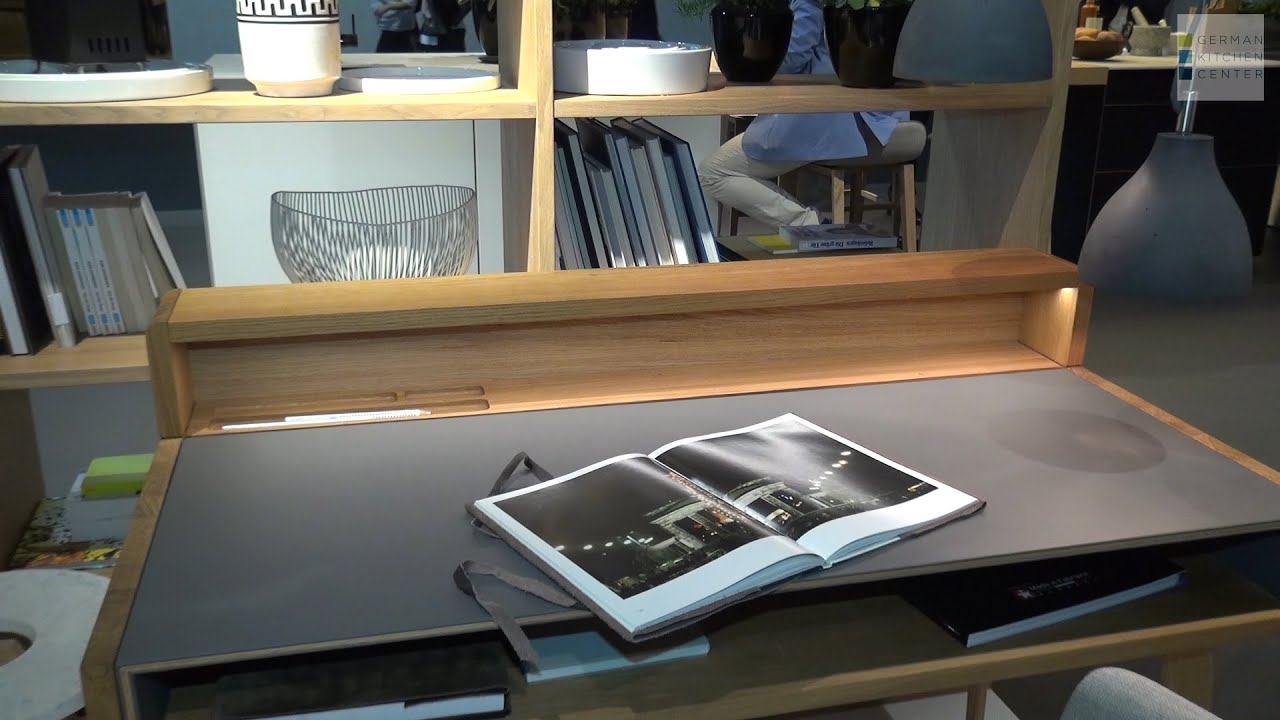 team 7 at eurocuchina sol solid wood and leather desk. Black Bedroom Furniture Sets. Home Design Ideas