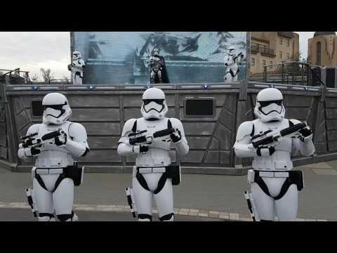 Disneyland Paris - Season of the force - Star Wars: First Order march & a galaxy far, far away.