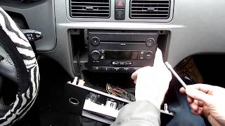 Ford Focus Radio Removal(, 2012-11-26T15:27:34.000Z)