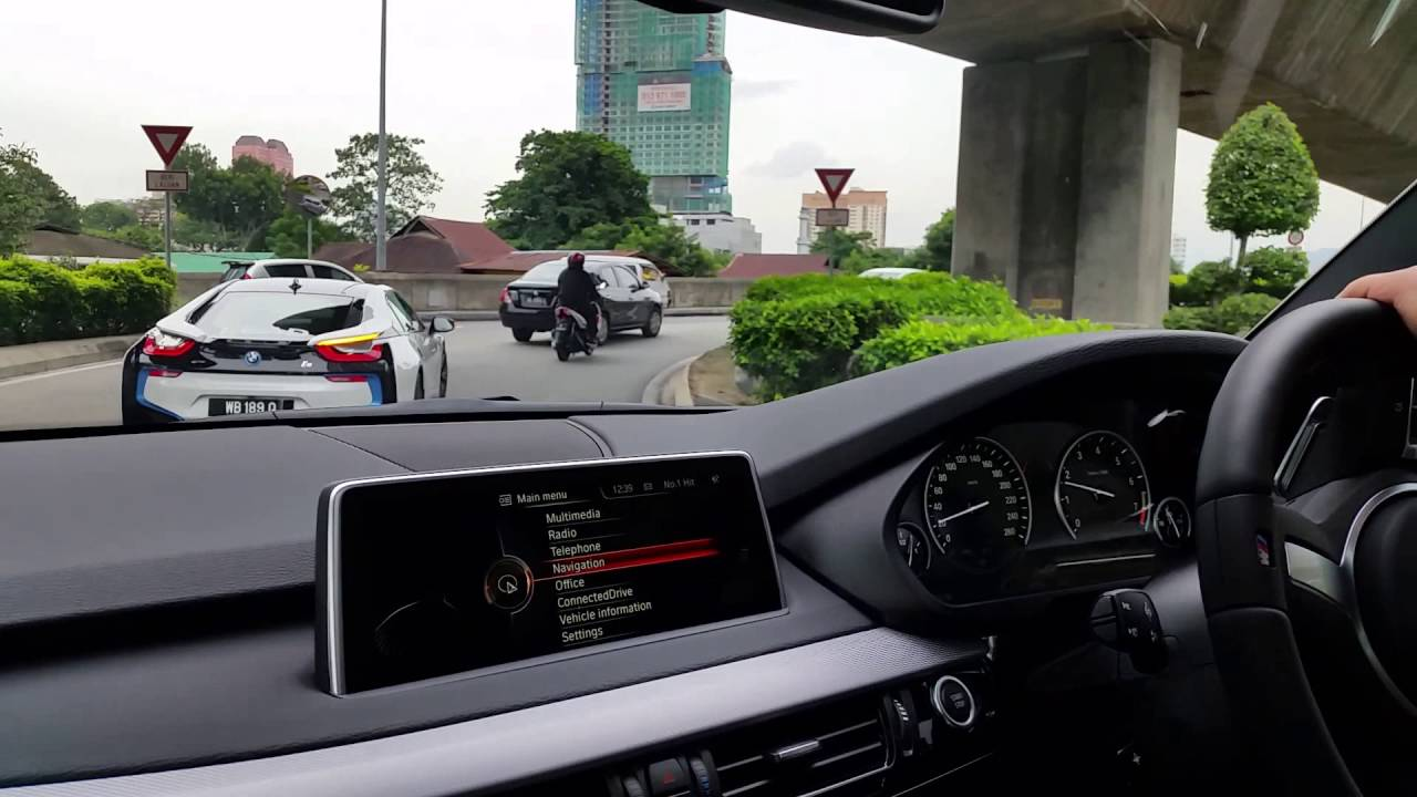 2016 Malaysia Bmw X5 Xdrive40e Acceleration Following Bmw I8 Youtube