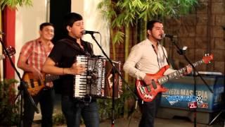 Los Nuevos Ilegales Ft. Los Amigos De Culiacan - El Prohibido (En Vivo 2016)