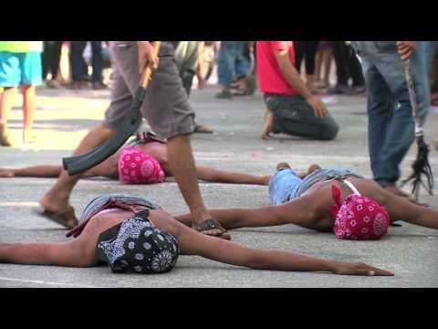 Filipińczycy biczują się, żeby pokazać swoją gorliwą wiarę [Kobieta na krańcu świata]