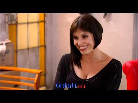 Andrea Escalona Upskirt Minifalda Negra