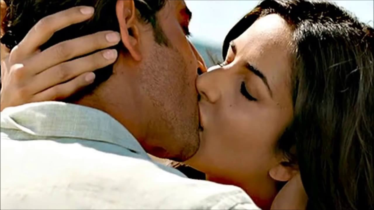 Bollywood Super Hot Kisses - Youtube-6394
