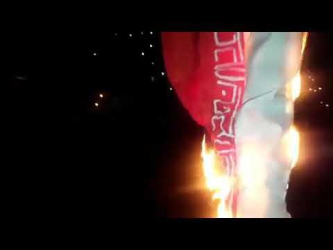 queman-bandera-iraní-en-petare-(caracas)