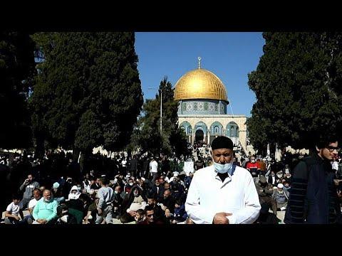 شاهد: عودة صلاة الجمعة إلى المسجد الأقصى بعد 45 يوماً من التوقف…  - 21:58-2021 / 2 / 12