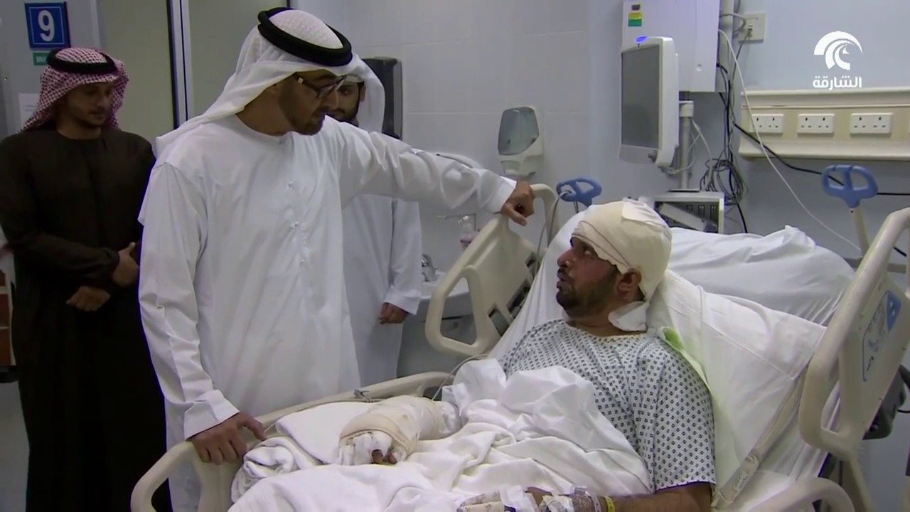 محمد بن زايد يزور مصابي تفجير قندهار الارهابي في مستشفى المفرق
