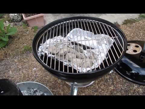 grilling chicken on my weber smokey joe charcoal grill. Black Bedroom Furniture Sets. Home Design Ideas