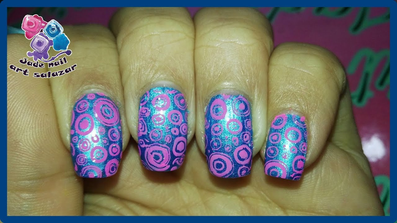 DISEÑO DE UÑAS COLOR AZUL METALICO Y ROSA - YouTube