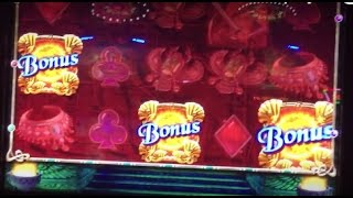 QUEEN OF EMPIRE slot Machine live play