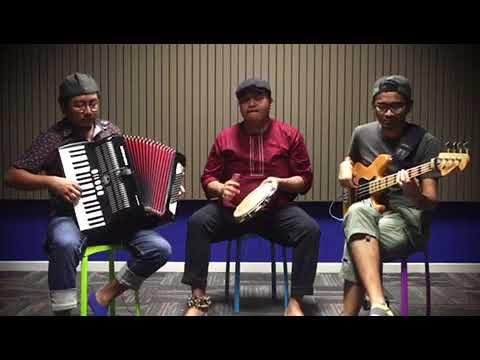 Hari Lebaran / Idul Fitri Instrumental Cover by tRia
