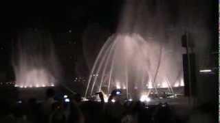 WEN BIE, Dubai Dancing Fountains
