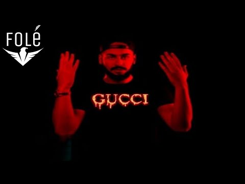 Capital T - Gucci