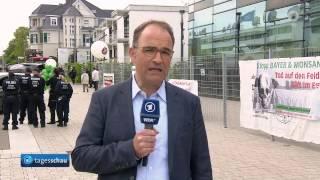 Video Stop BAYER/Monsanto! Protest in Bonn am 28. April 2017 vor BAYER-Hauptversammlung in Tagesschau download MP3, 3GP, MP4, WEBM, AVI, FLV September 2017