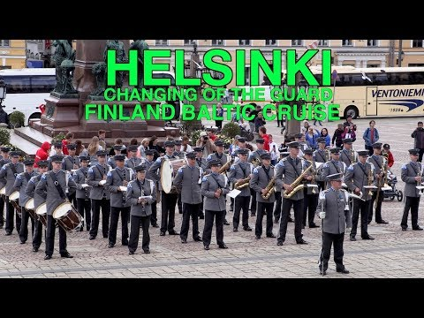 Helsinki, the changing of the Guard gets photo bombed
