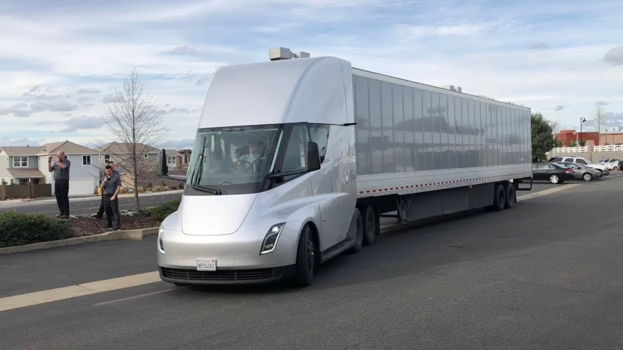 small resolution of tesla semi in the wild