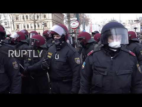 Austria: Arrests and scuffles at COVID-19 sceptics protest in Vienna