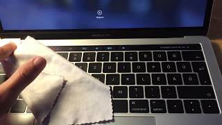 2016 MacBook Pro - Touch bar cleaning