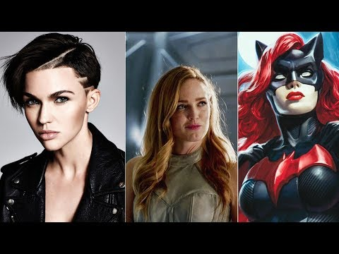 Sara Lance and Batwoman Romantic Relationship? Caity Lotz Hints At DC Legends' New Love!