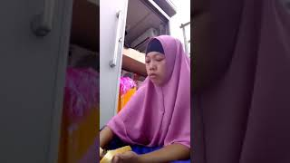 Viral! Bikin Malu Umat islam~Wanita Berhijab mengaku makan daging babi