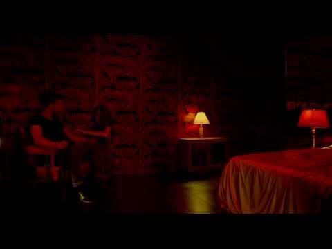 Miley Cyrus video leaves little to imaginationKaynak: YouTube · Süre: 39 saniye