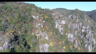 中津市の深耶馬渓の景勝地、一目百景で撮影した紅葉です。ダイナミック...