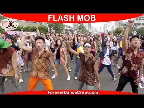 FLASHMOB INDONESIA FLASH MOB DANCE INDONESIA