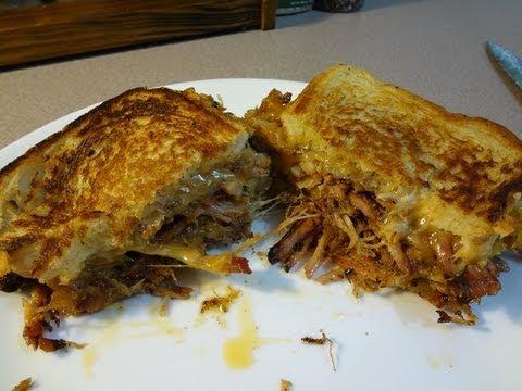 PULLED PORK GRILLED CHEESE SANDWICH - BBQFOOD4U
