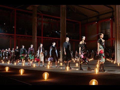 Download Lagu  Prada Fall/Winter 2019 Womenswear Show Mp3 Free