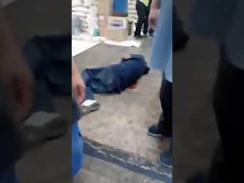 """Video Tepic: MUJER corre a BALEADO en local """"por que ahí no puede estar"""""""