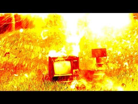 Experiment: Blitz VS. Fernseher | Einen Blitz in einen Fernseher ...