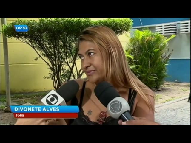 Mais de 20 foliões são perfurados por agulha em bloco de Carnaval