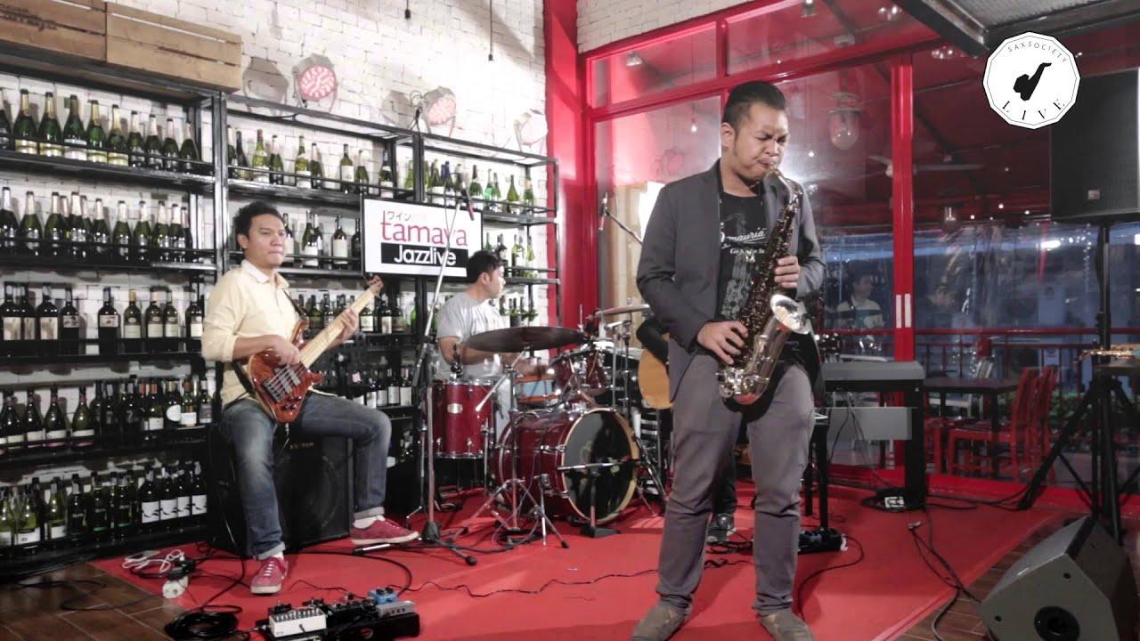 saxsociety-live-feel-like-making-love-khru-n-xb-naeb-with-takeshi-band-sax-society