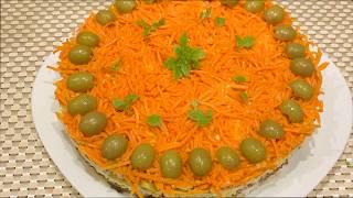 Салат с курицей, грибами, огурцами и морковью по корейски