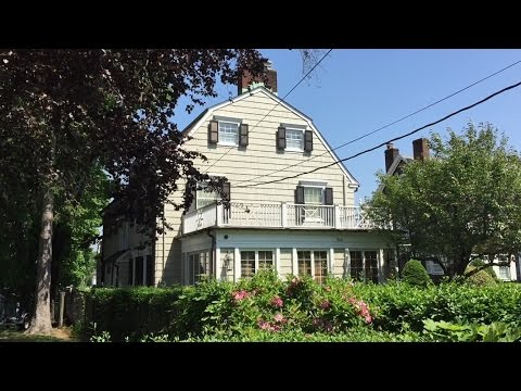 The Amityville Horror Murder Locations (Amityville, NY)
