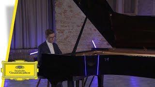 Víkingur Ólafsson - Bach (Interview #2)
