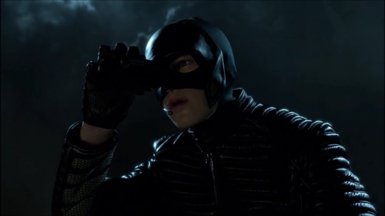 Download Batman gets caught trying to stop Selina from stealing weapons! | Gotham | Season 4 - Episode 3!