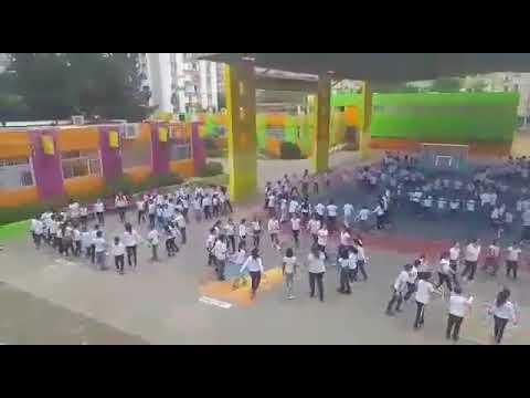 מגניב בית ספר הנשיא בבת ים מציין את חגיגות הכרזת העצמאות בהרקדה המונית XP-87
