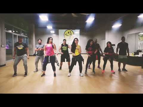 """Calma&39; Farruko ft Pedro Capo ZUMBA by Priscila Sartori y Honduras Dance Crew"